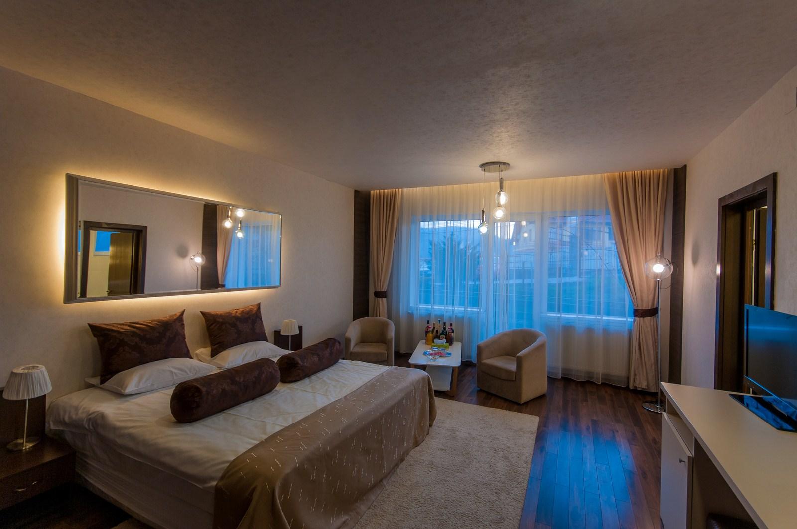 Corpuri de iluminat pentru camera de hotel - Idromassaggio in camera da letto ...