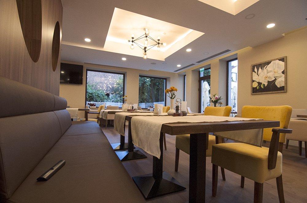 Proiect iluminat Annora Lighting - Cofetarie Hotel Radsor Rasnov