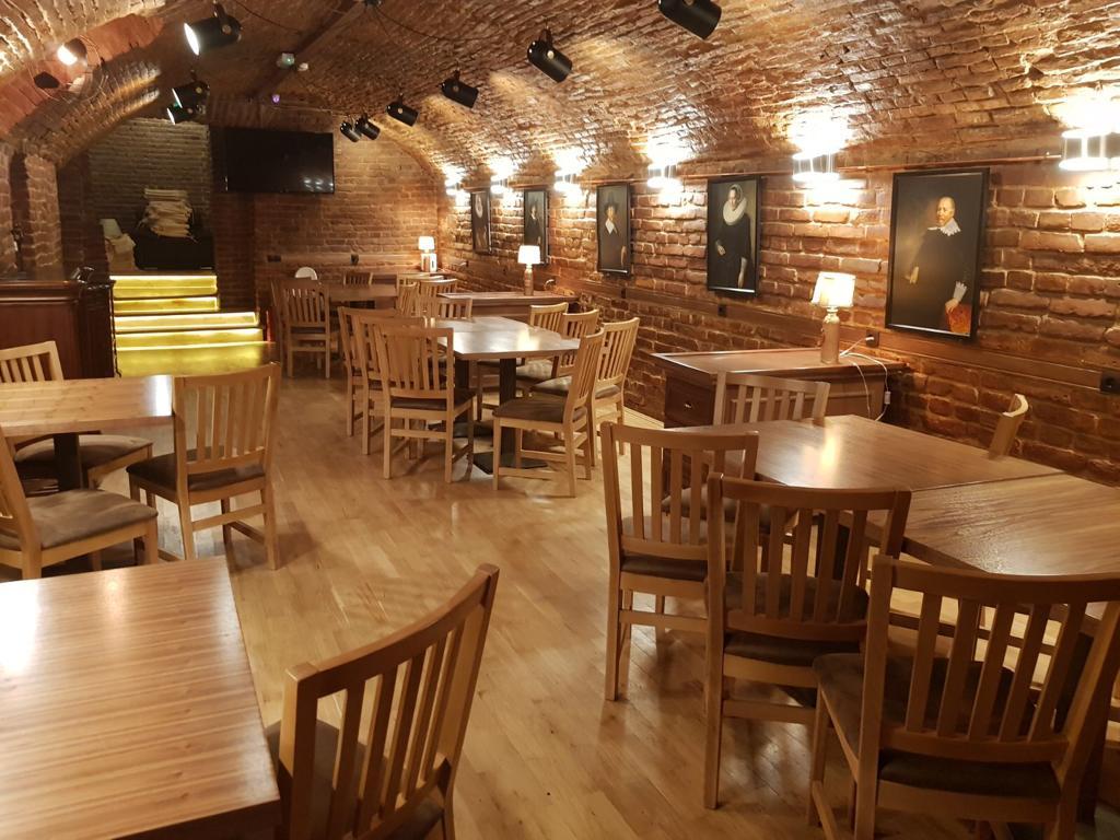 Annora - Restaurant Casa Veche Targoviste